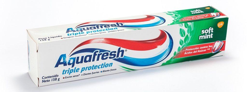 kem-danh-rang-Aquafresh-huong-tra-xanh-140g-cua-nhat-ban-3