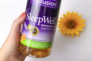 Kẹo ngủ Vitafusion SleepWell Melatonin 3mg có tốt không?-1